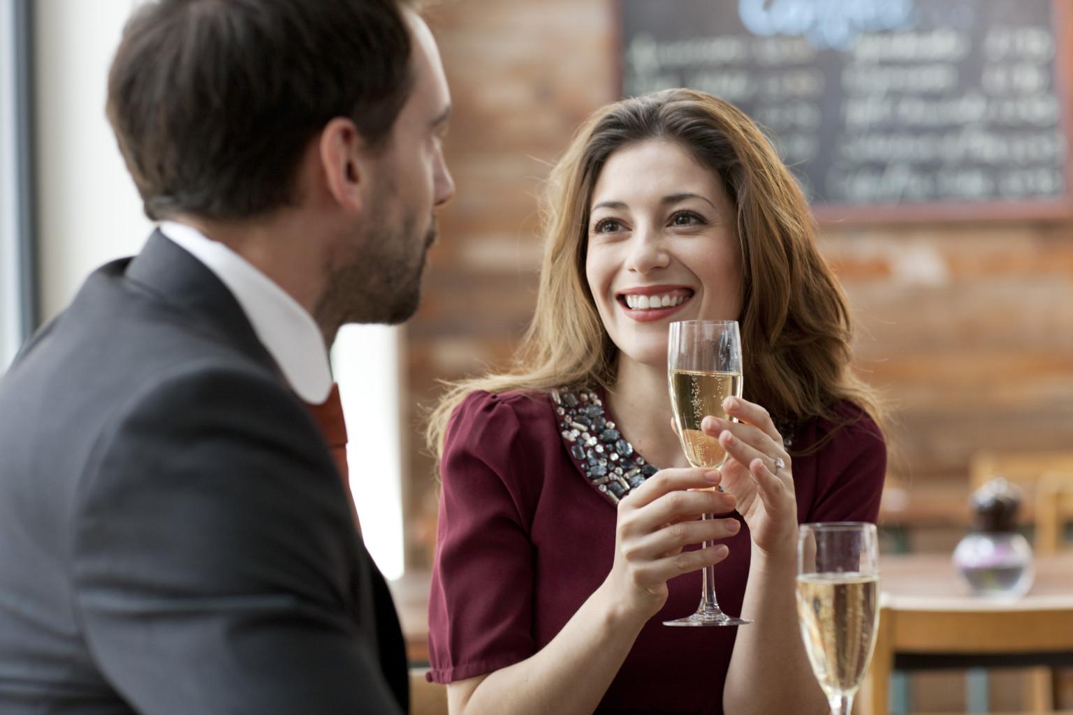 Dating an Aquarius Woman